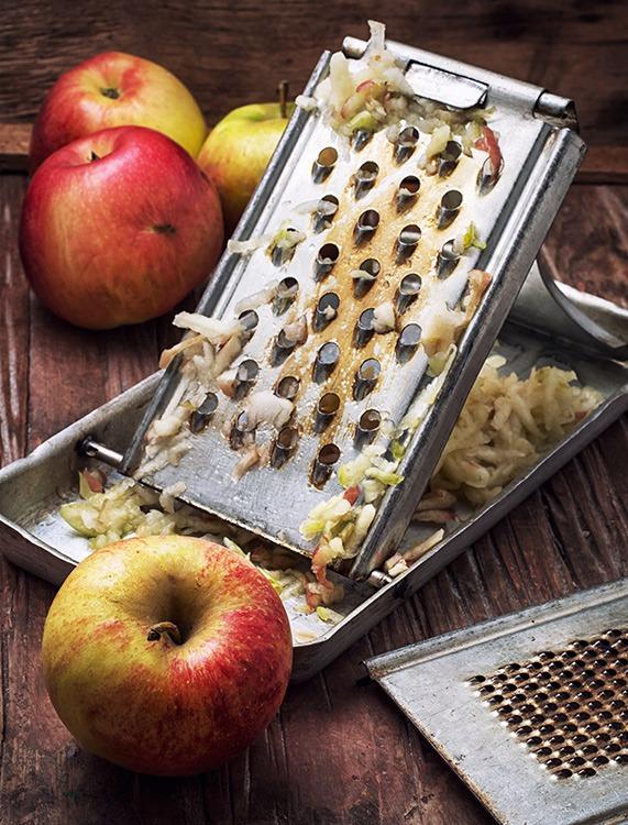 Fastenbrechen - Apfel reiben
